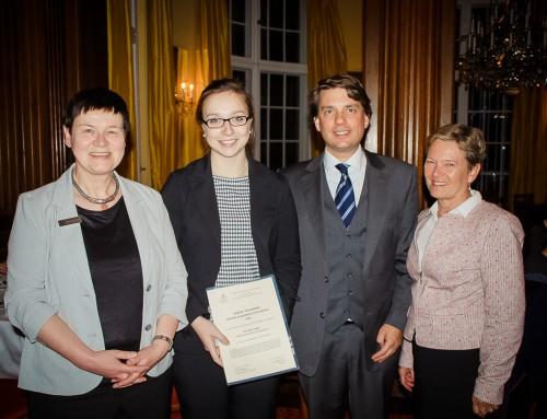 Frankfurt School Bachelor student wins Zonta Award